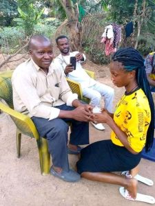 Little girl said yes to a 50 years old man marriage proposal cause reactions online.